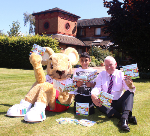 Left to Right: Francis Mouse (Francis House's mascot), Sandeep and Stagecoach Manchester M.D. Christopher Bowles. (Photograph © 2014 Tangerine P.R. Ltd).