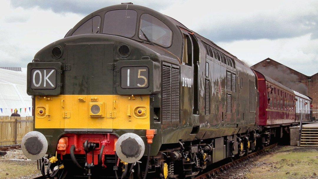 D6700 Class 40, York (Image by Calflier001).